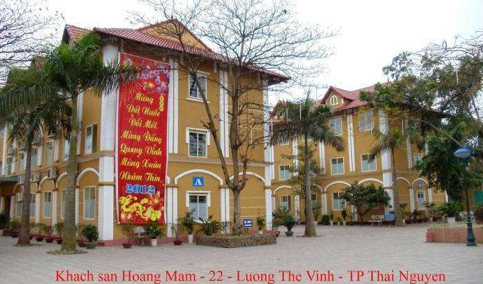 famous landmarks near hotels in Ha Long, Viet Nam